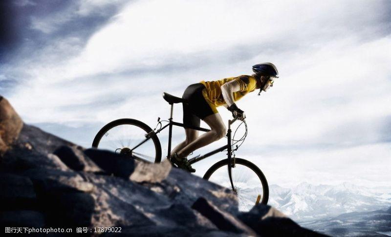 野外运动骑单车户外运动图片