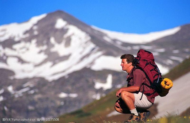登山的男人登山爱好者图片